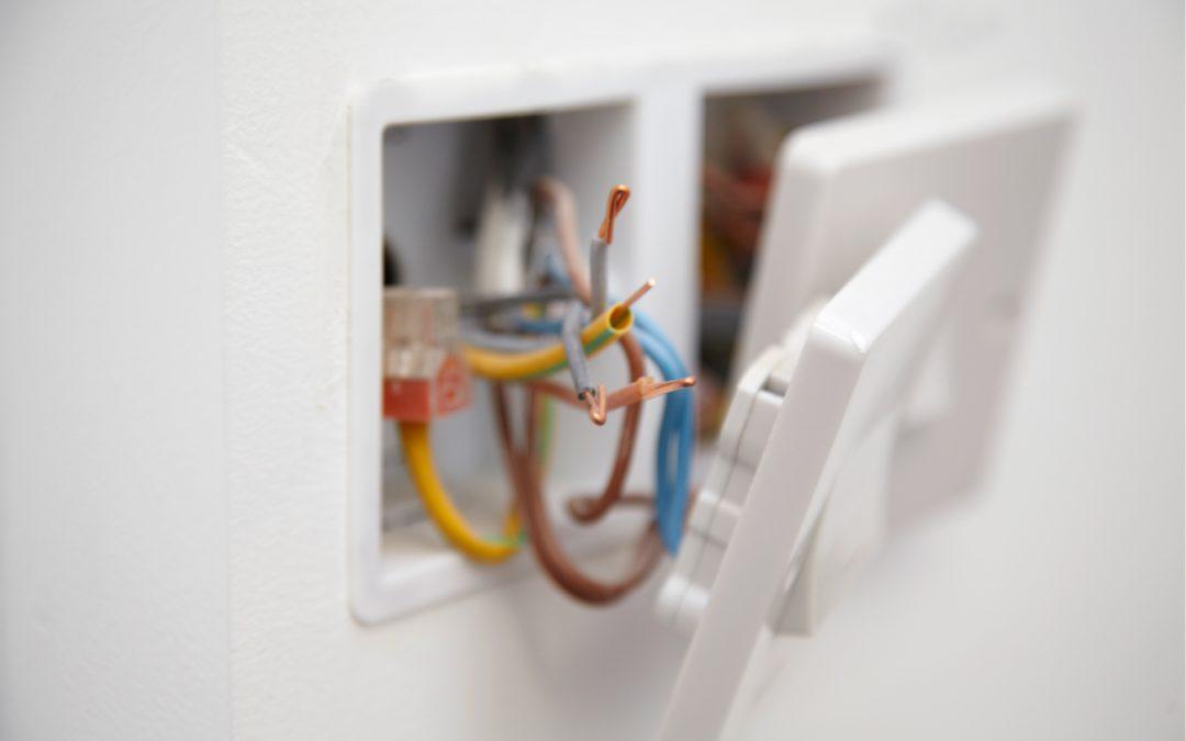 PVC x Aço galvanizado ou alumínio: qual é melhor para sua instalação elétrica?